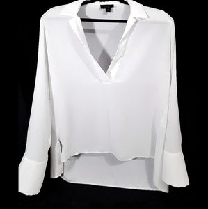 White open v-neck split hi-low blouse